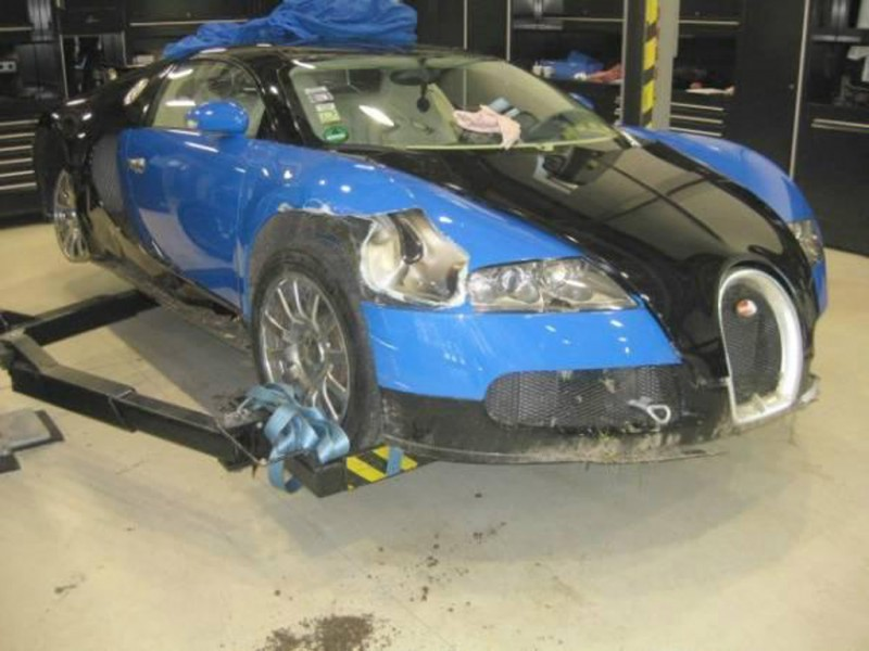 how much does a wrecked bugatti veyron sell for? -