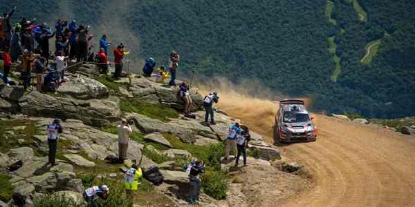 Mt Washington Hill Climb >> Subaru Driver Travis Pastrana Smashes Mt Washington